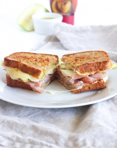 apple white cheddar ham and cheese sandwich